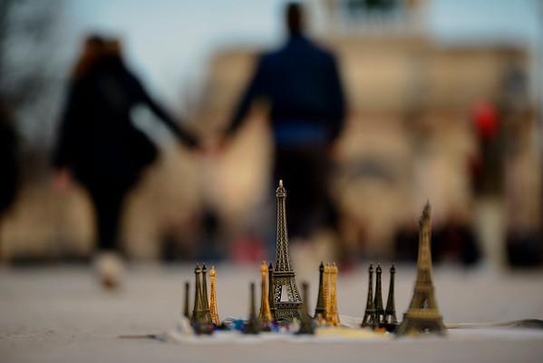 France;Ile de France, Paris (75); Jardin Tuileries; Tour Eiffel // France; Ile de France; Paris; Tuileries gardens, Eiffel tower