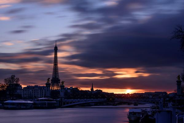 France; Ile de France;Paris (75); Seine; Tour Eiffel, Pont Alexandre III // France, Ile de France; Paris (75); Eiffel tower; Pont Alexandre 3
