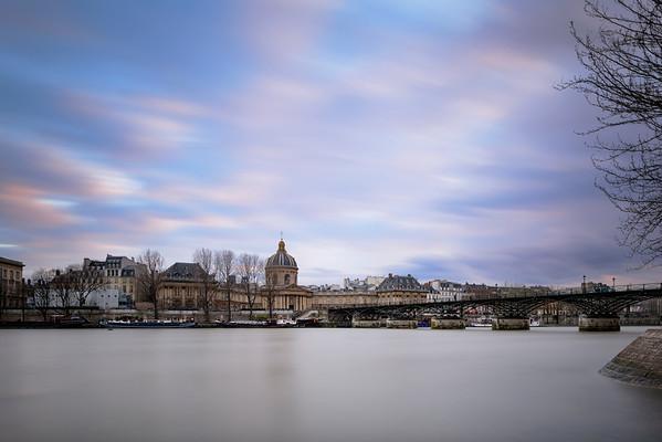 France, Ile de France (75), Paris, Seine, Academie francaise, Pont des Arts // France, Ile de France, Paris, Seine river, French Academie, Pont des Arts bridge
