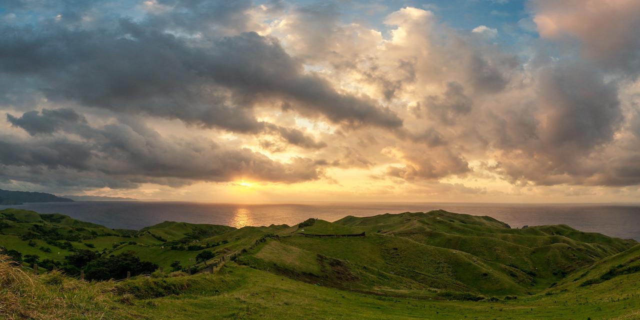 Batan 20: Rolling Hills sunset