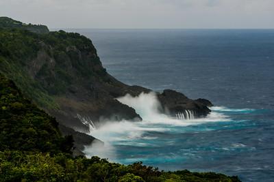 Itbayat 16: cliffs