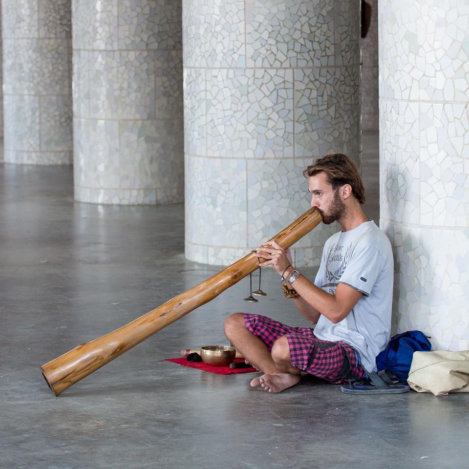 Didgeridoo player, Barcelona