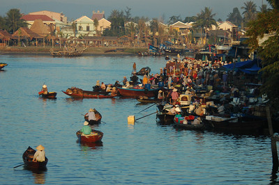 Dawn fish market, Hoi An, Vietnam.