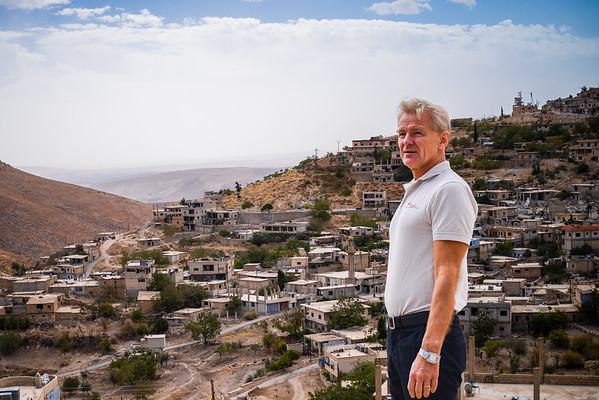 NRC Secretary General Jan Egeland in Horaira village, Wadi Barada, Syria.<br /> Photo: Tareq Mnadili/NRC
