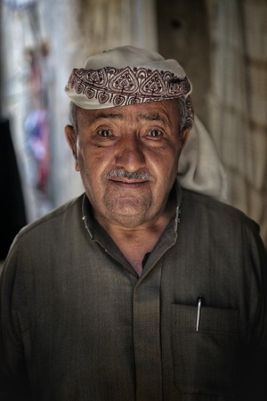 """Taiz: """"My home was damaged and everything destroyed. Now we live in two rooms in an old hotel."""""""