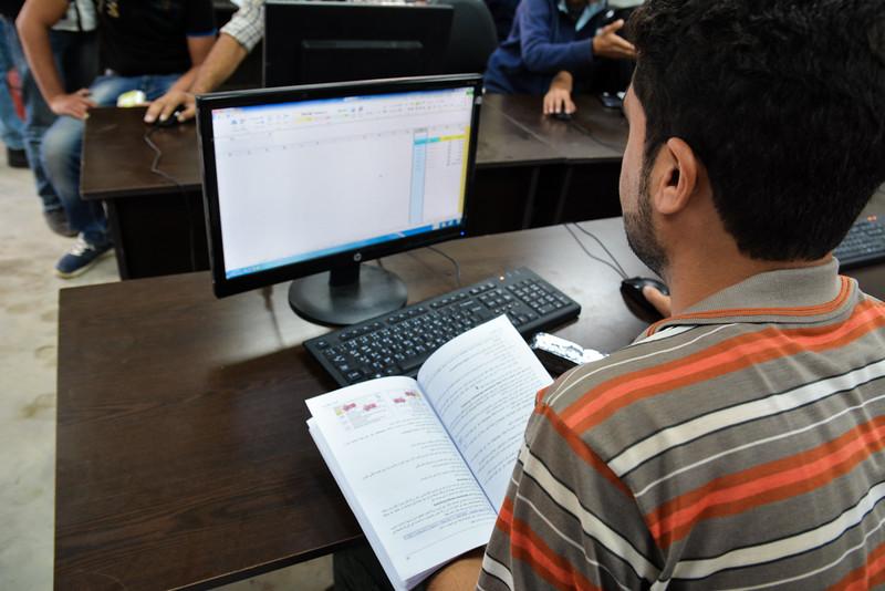 A Syrian refugee student at NRC's youth skills centre computer class. <br /> November 17, 2015 Photo: Dara Masri/NRC Jordan