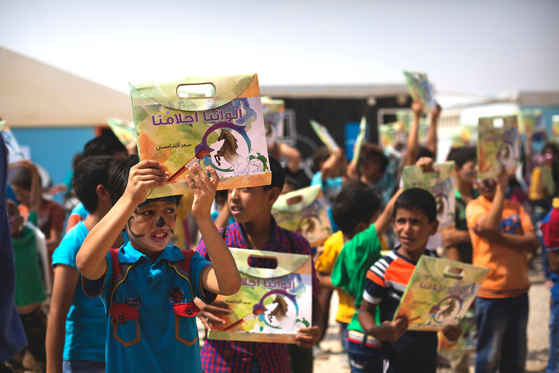 Distribution of 5000 coloring books