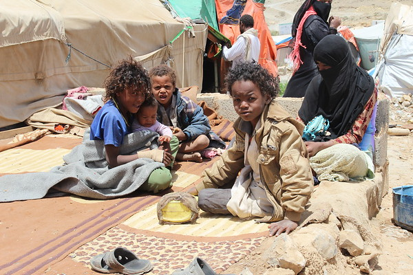 IDPs from Sa'ada in settlement outside Houth, April 2017