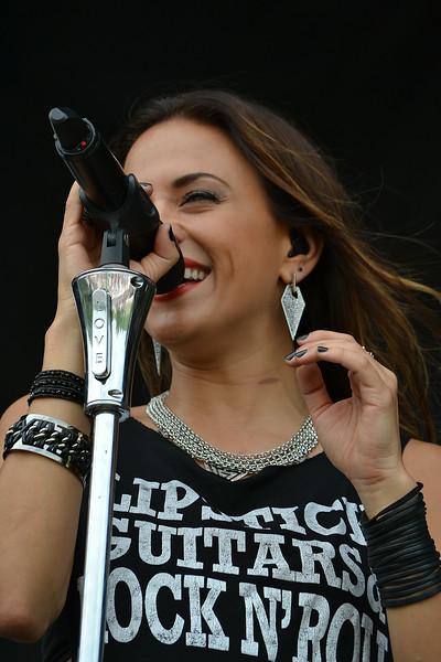 Jana Kramer Concert