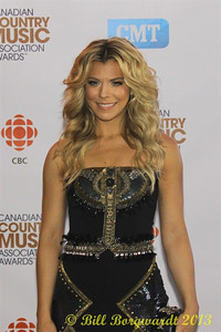 Kimberly Perry - The Band Perry - Green Carpet - CCMA13 Day4 4680