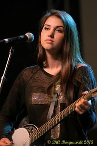 Lauren Adamoski, barking Alee - Fan Fest