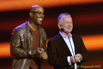 Darius Rucker & RonJames - Presenters - Female Artist of the Year - CCMA Award Show