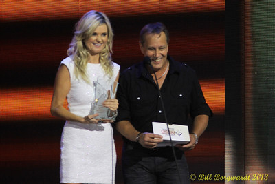 Beverley Mahood & Charlie Major - Presenters - Single Of The Year - CCMA Award Show