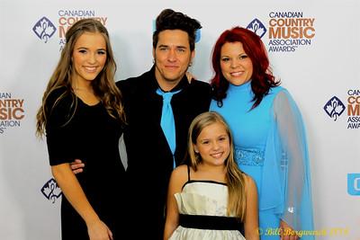 Lennon, Brad, Marylynne & Maisy Stella - Green Carpet - CCMA D4 6019