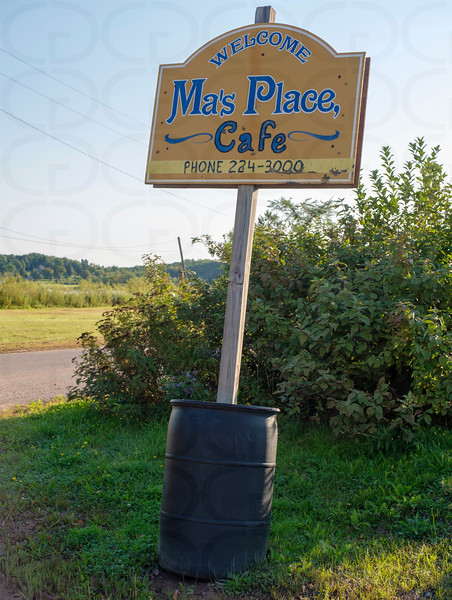 Ma's Place, Cafe