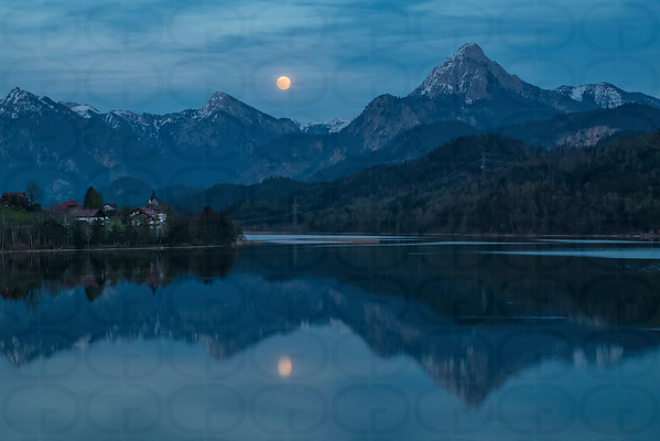 Moonrise over the Weissensee