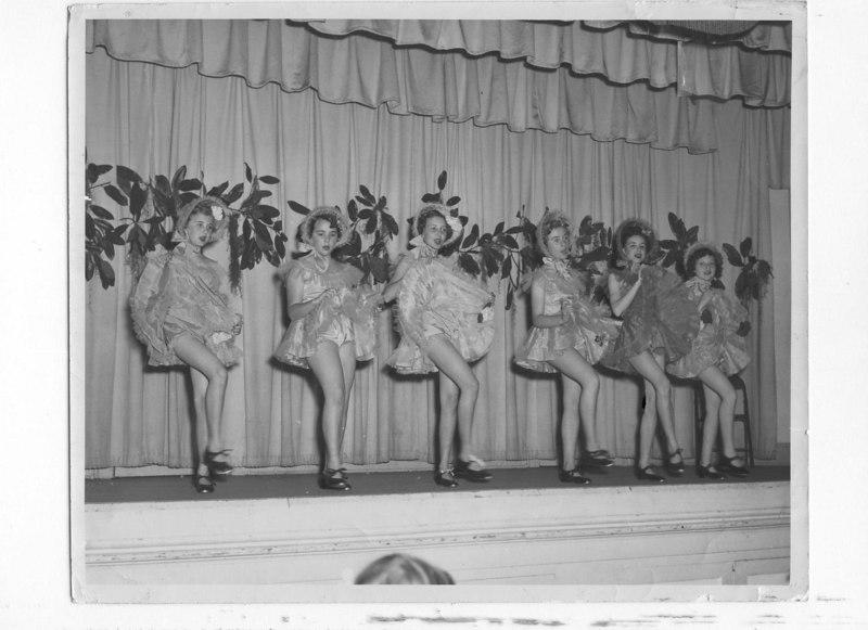 P.D.Hester's Tappers-1952-L-R Linda Gail Key, Barbara Reed, Miriam Gaskins, Elizabeth Ann Fuller, Mary Carrell Smith, Patsy Thomas, at Nashville Elementary School
