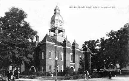 Berrien County Courthouse circa 1939 (postcard)