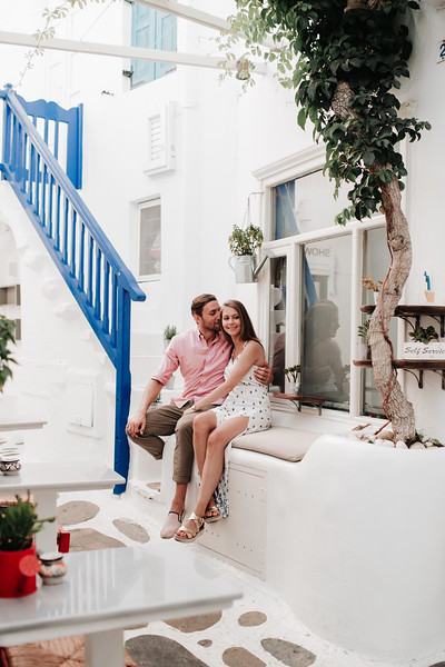 "<div style=""text-align: center;padding: 0px 0px 0px 0px;font-size:13px; font-family:arapey; letter-spacing:2px; line-height: 23px;"">Pre-wedding pictures  <br> Mykonos, Greece </div>"