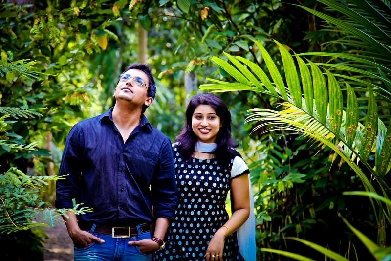 Newly wedded couple photoshoot at their gardens