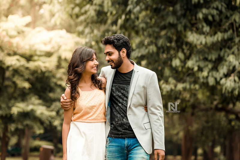 It's big love - candid photoshoot for prewedding couples
