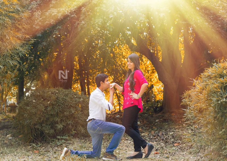 Creative candid photoshoot for couple