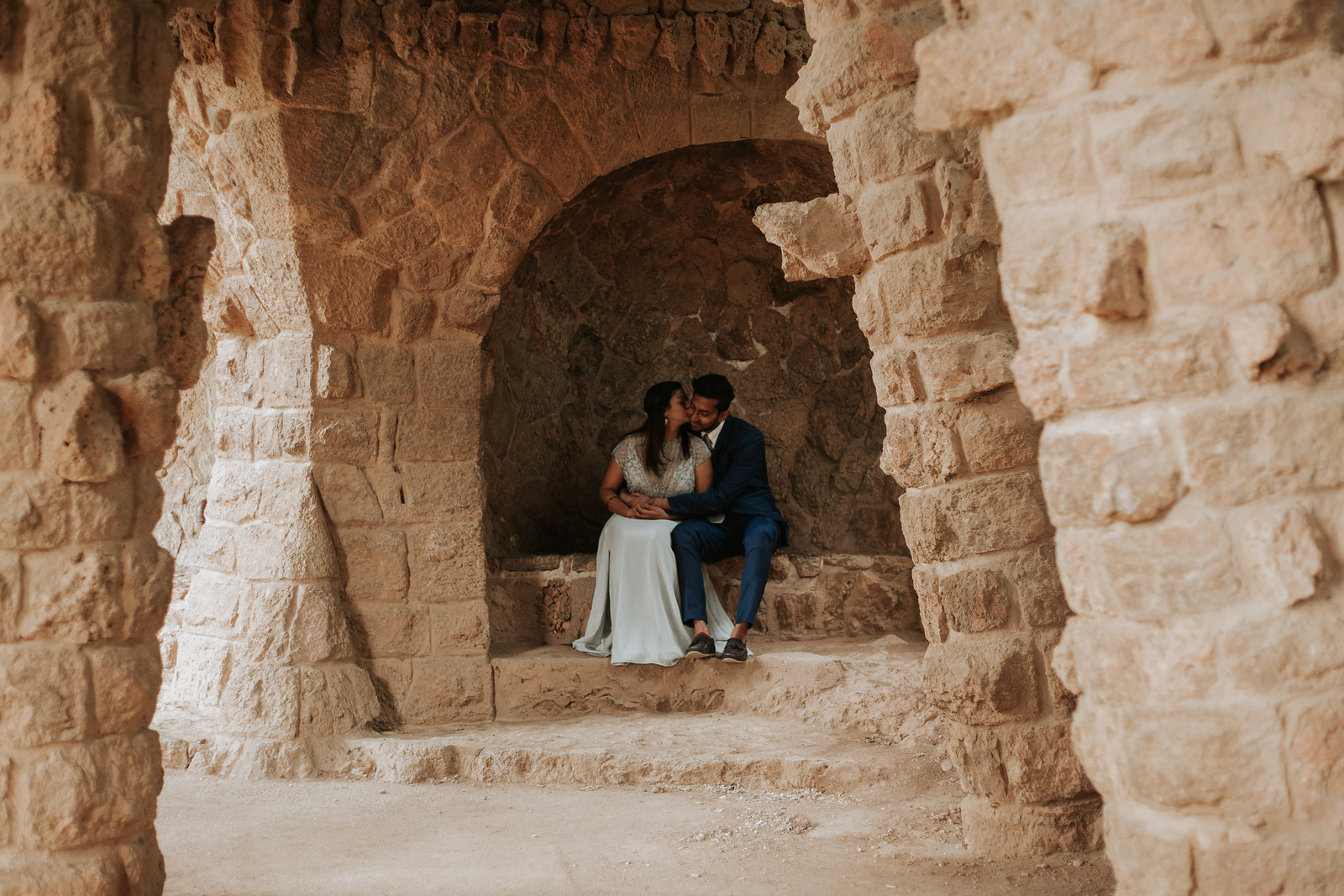 """<div style=""""text-align: center;padding: 0px 0px 0px 0px;font-size:13px; font-family:arapey; letter-spacing:2px; line-height: 23px;"""">Pre-wedding photos  <br> Barcelona, Spain </div>"""