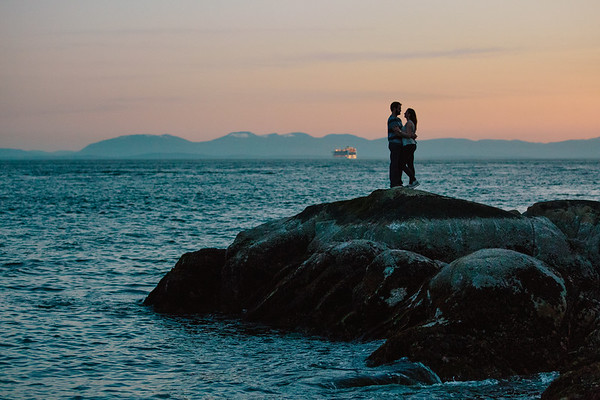 Keara & Chris | Lighthouse Park