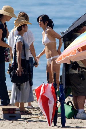 "Actress Courtney Cox wearing a Bikini during the set of the TV serie "" Cougar Town "" on the beach in Los Angeles,California."