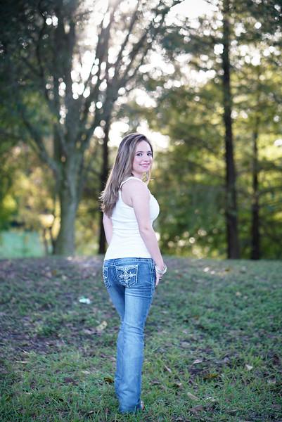 Courtney Senior Photo shoot | Tree tops park