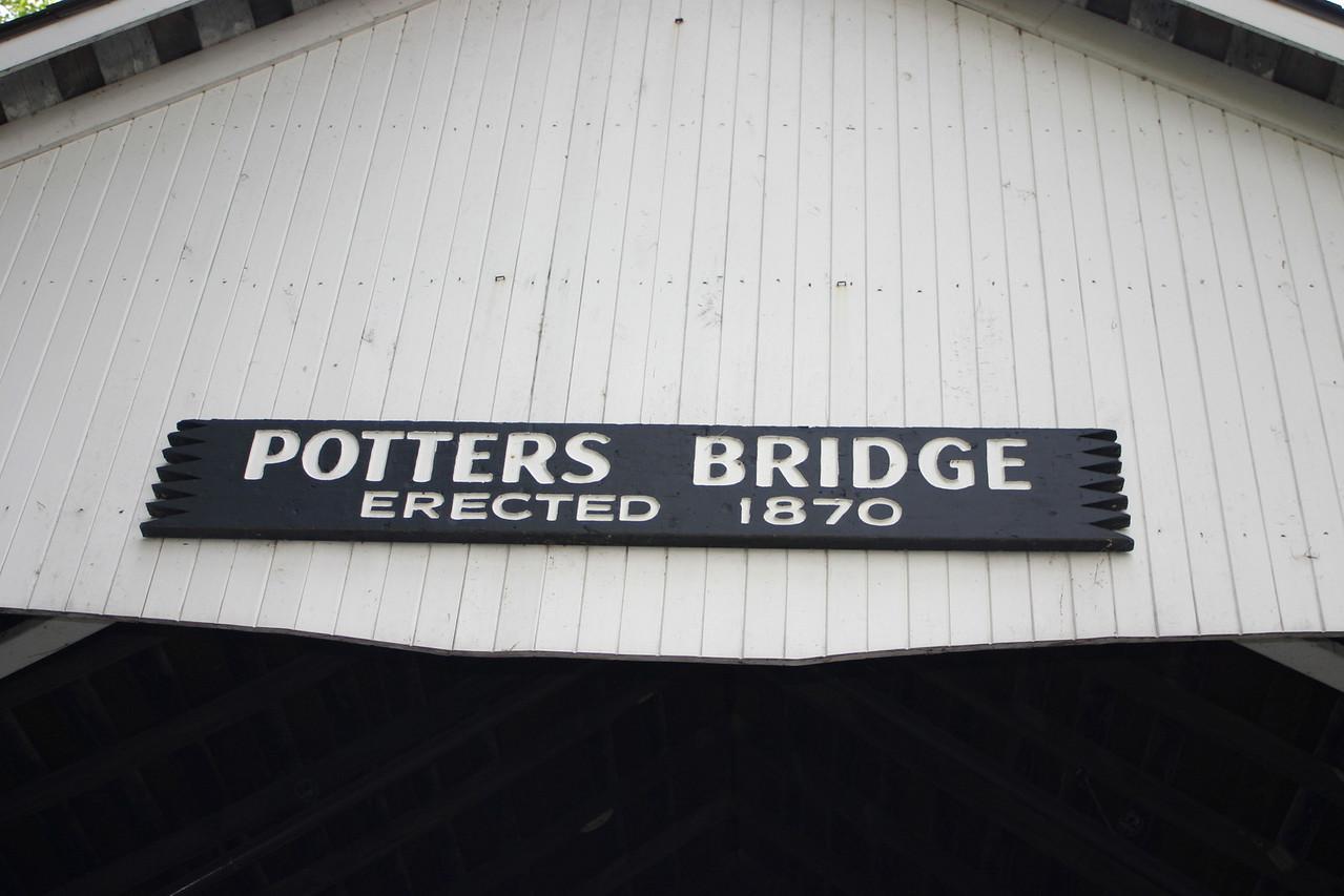 Potter's Bridge, Hamilton County, Indiana.  Photo from May 2005.
