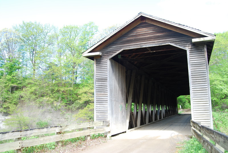 Middle Rd Covered Bridge Picture