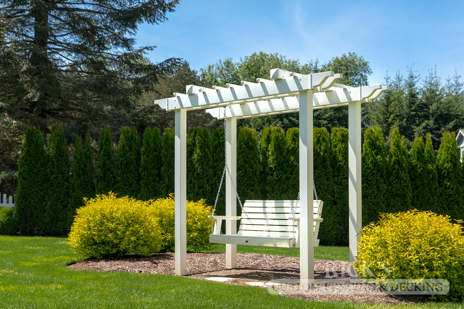 5380 - Custom Vinyl Pergola with Swing