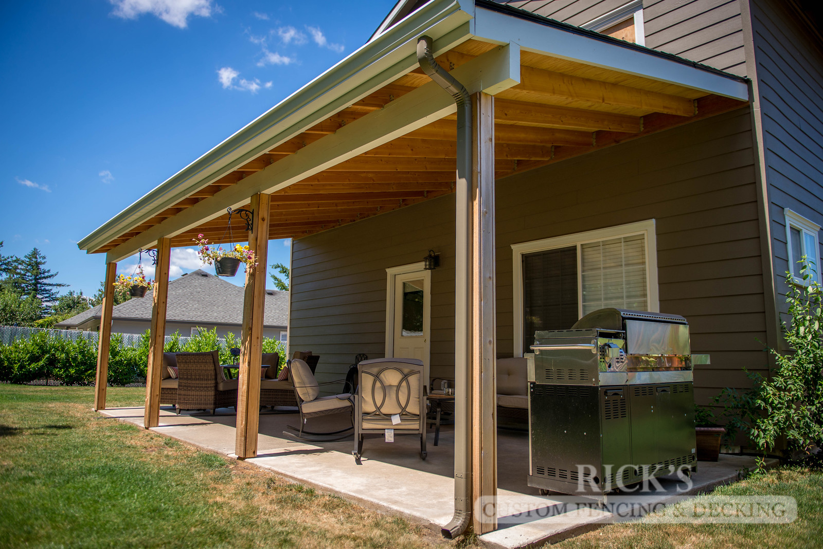 5106 - Wood-Framed Patio Cover
