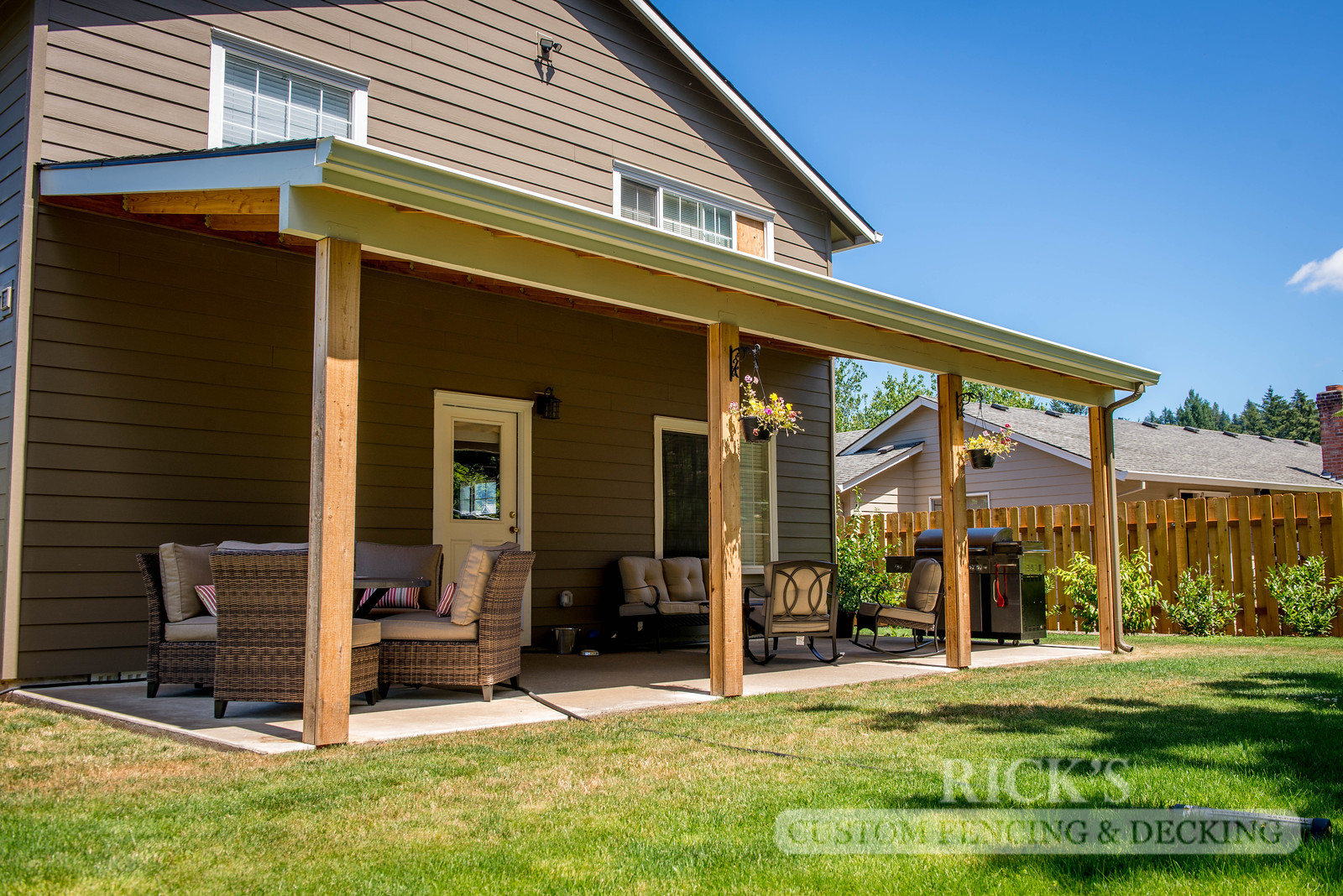 5104 - Wood-Framed Patio Cover