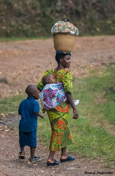 Uganda Woman with kids