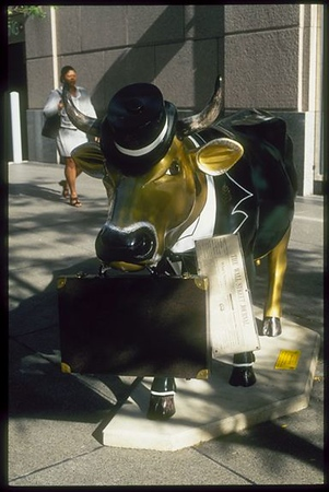 Business cow CHI1199-32