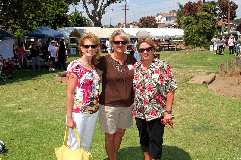 2011-07-31_HBHS Reunion_Paula Thrailkill_Dee Dotson_Diane Wichner_0099