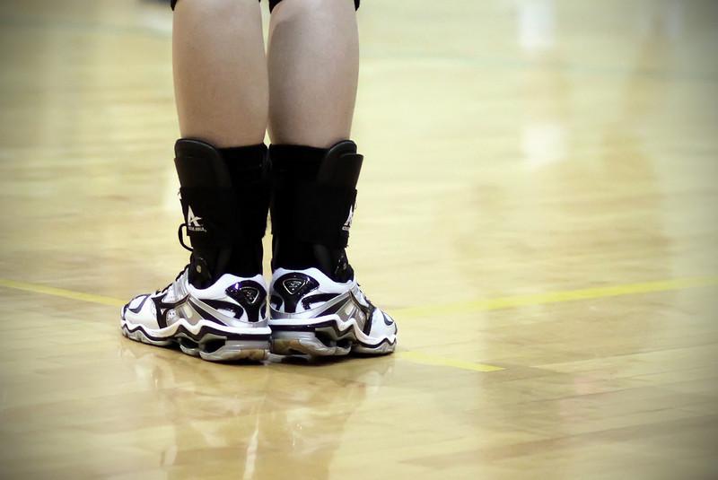 0313 Volleyball....   line judge.