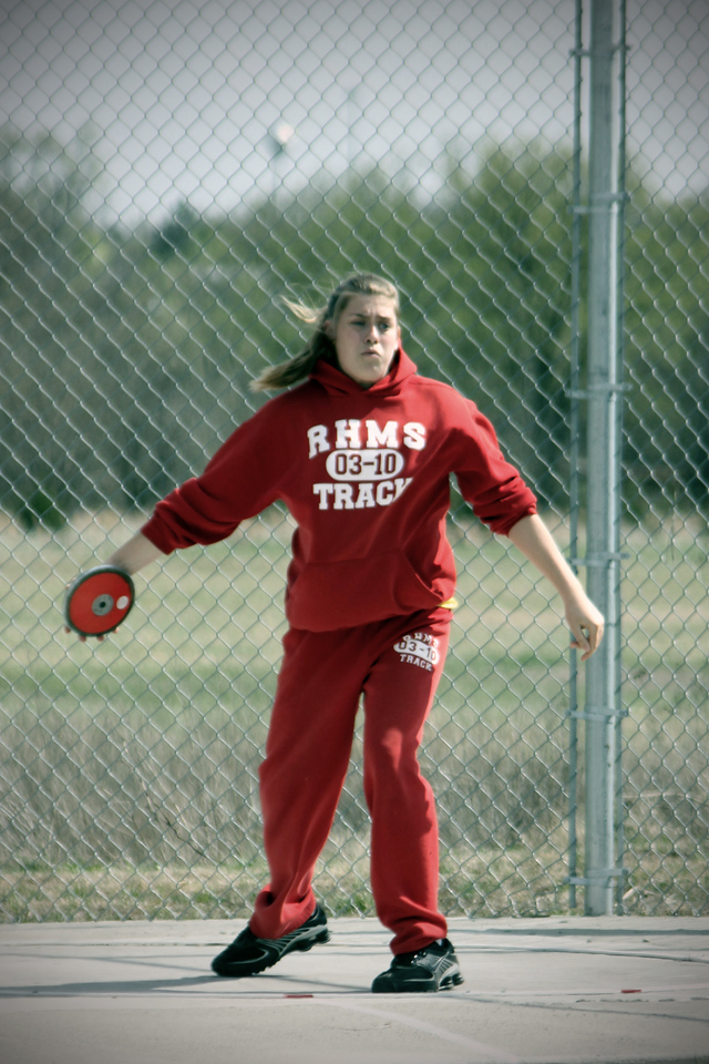 0408 Madison throwing the discus at the Circle Track Meet.