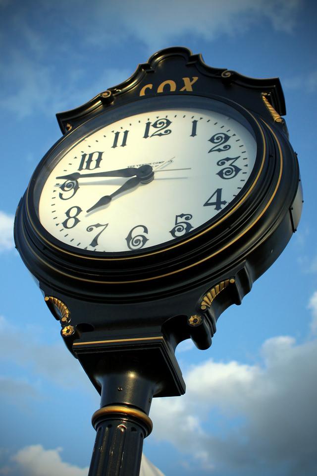 0426 Rose Hill city clock.