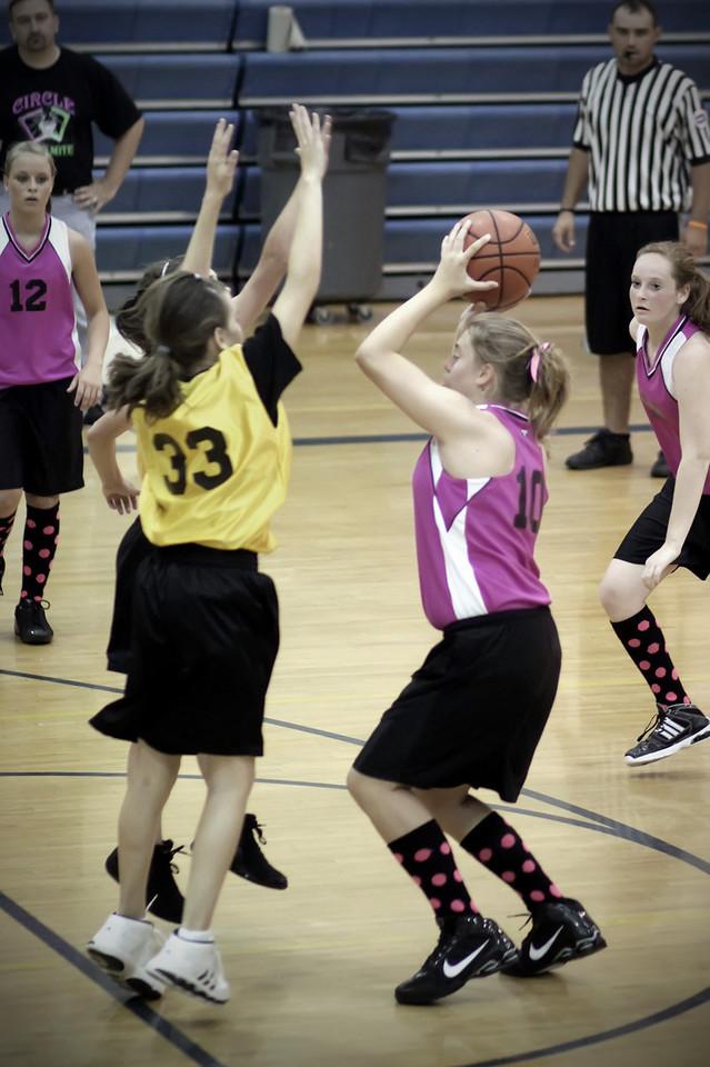 0612 She shoots...  she scores!!!