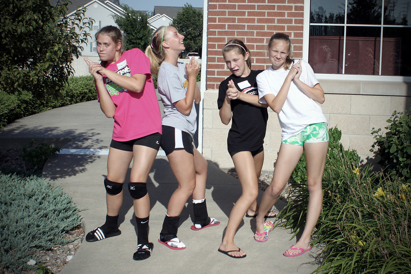 0719 Goofy volleyball campers...