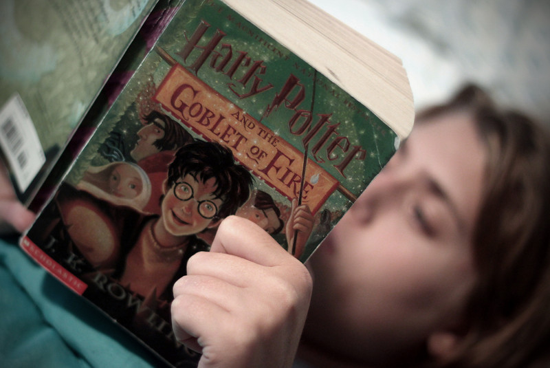 0823 Reading Harry Potter...