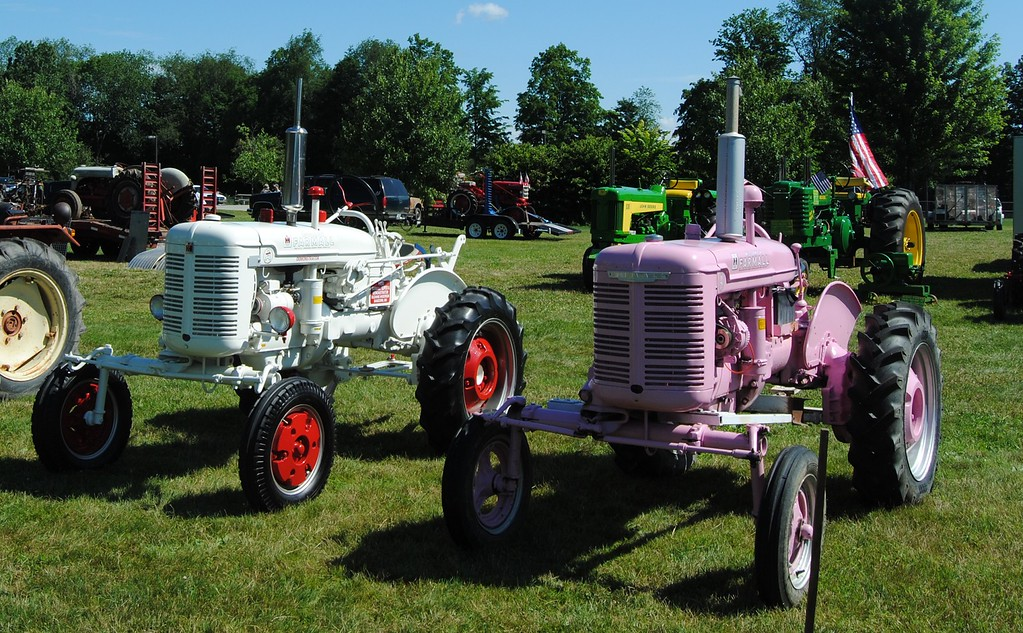 . NASHOBA VALLEY VOICE/ANNE O\'CONNOR Crank Up, a show with engines, tractors and much else, has been in Pepperell every summer since 1975. Not all tractors are red or green.