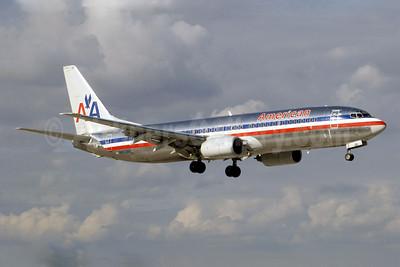 American Airlines Boeing 737-823 N977AN (msn 29550) MIA (Jay Selman). Image: 402144.