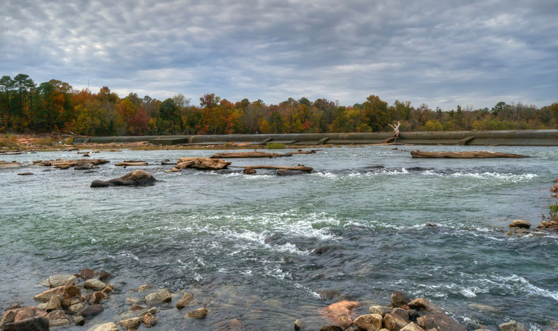 The dry diversion dam in HDR<br /> <br /> © Sparkle Clark