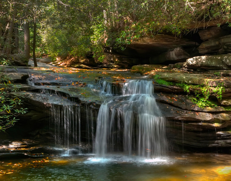 Table Rock Stream in HDR<br /> © Sparkle Clark