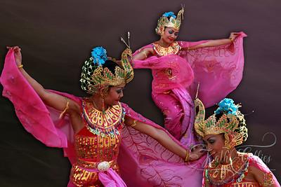 pink scarf dancers-Edit