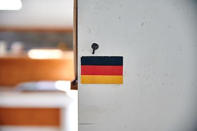 Deutschland Fahne angenagelt